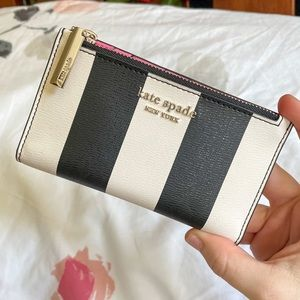 Kate Spade Spencer Black and White Stripe Faux Textured-Leather Wallet
